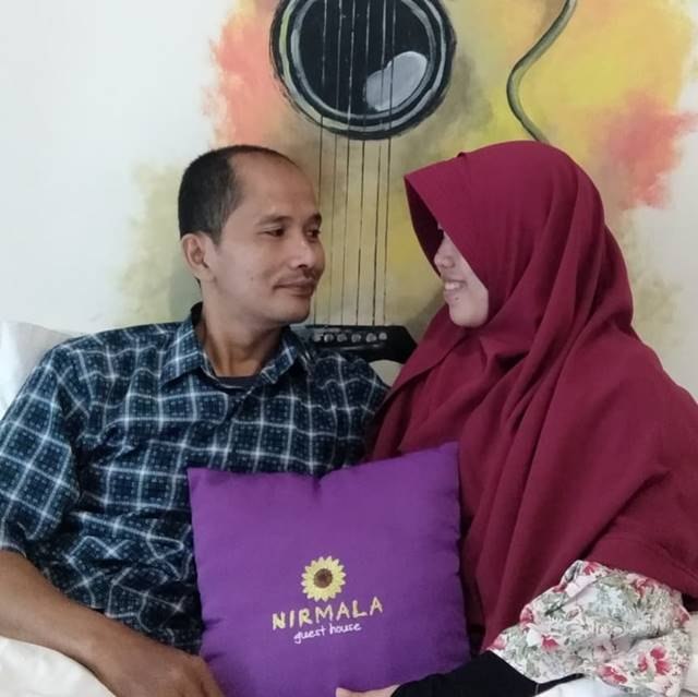 pengalaman menginap bersama pasangan